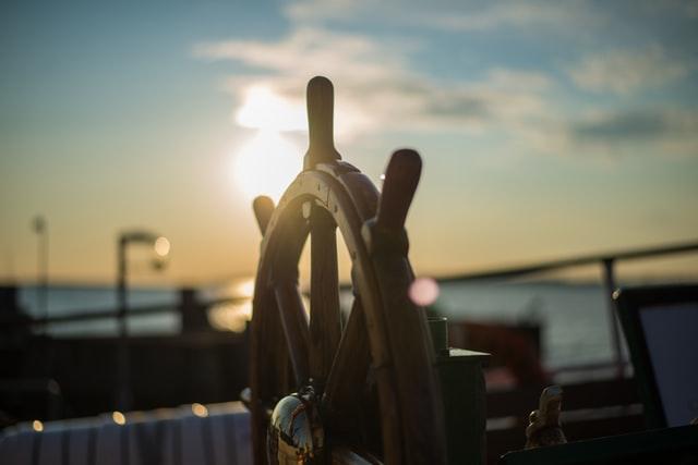 Aus dem sicheren Boot steigen